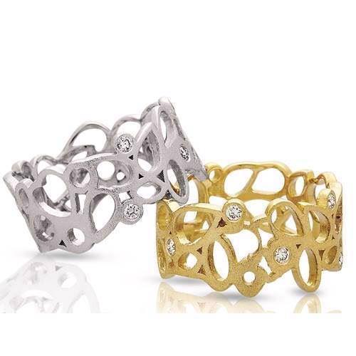 14 karat guld ring med 5 x 0,02 ct diamanter og hjerter