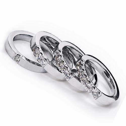 3,2 mm Klassisk Alliance ring i 14 karat hvidguld med 3 stk 0,07 ct W VVS brillant