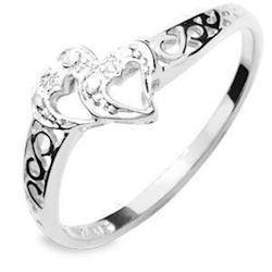 9 kt hvidgulds hjerte fingerring m/ 2 stk 0,005 ct diamanter