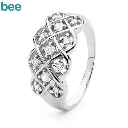 Diamant hvidguld ring - med hele 11 ægte diamanter